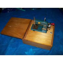 Antiga Máquina De Costura De Brinquedos