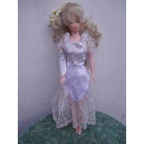Boneca Tipo Barbie C/ Vestido De Noiva