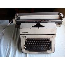 Antiga Máquina De Escrever Facit