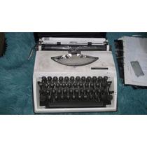 Máquina De Datilografia Triumph Tippa Com Maleta