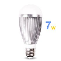 Lâmpada Led 7 Watts Branca 700 Lumies E27 Bi-volt (110-220)
