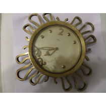 Tck Relógio Antigo De Parede Suísso Bronze Trabalhado Lindo