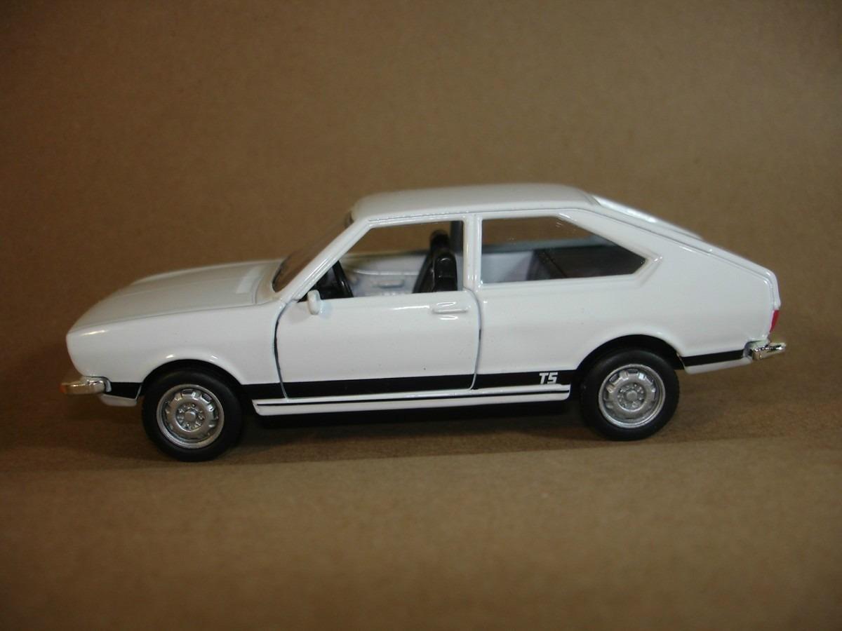 passat-ts-1978-miniatura-carro-metal-classicos-nacionais-2-14479-MLB3630355080_012013-F.jpg