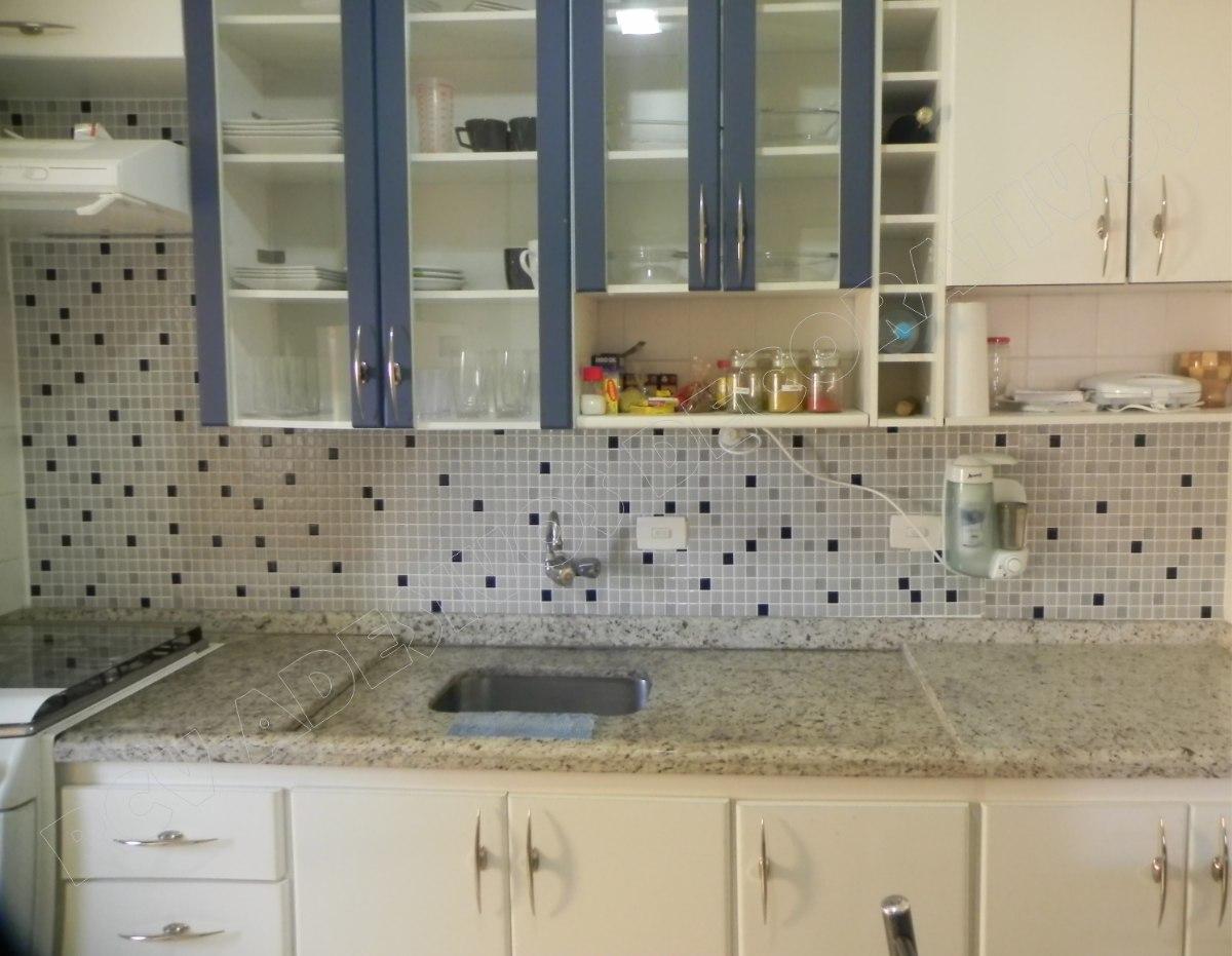 Pastilhas Adesivas Resinadas Banheiro Azulejo 30x30cm R$ 29 99 no  #604E38 1200x931 Banheiro Amarelo Decorado