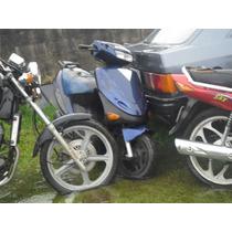 Par De Pedaleiras P/ Scooter Hyosung Cab 50.