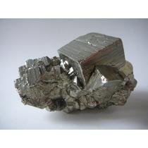 M07 Pirita Grupo De Cristais Cúbicos Mineral Pedra Minerart
