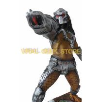 Boneco Predador - Estatua Em Resina 33 Cm