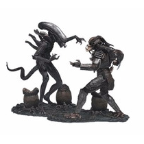 Alien Vs Predator Mcfarlane Toys Movie Maniacs Deluxe Figure
