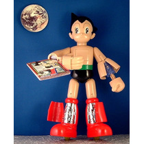 Astro Boy - Eletronico - Emite Luz E Sons - 28 Cm - Bandai