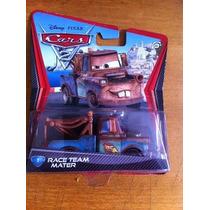 Disney Pixar Cars 2 Race Team Mater Miniatura