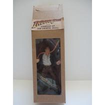 Indiana Jones (em Resina E Jaqueta De Latex)