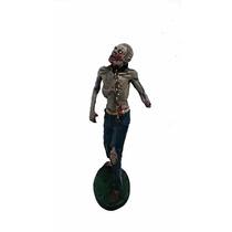 Estatueta Em Resina Zumbi The Walking Dead - Resident Evil