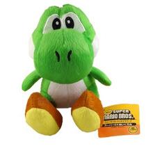 Boneco Pelúcia Yoshi 15cm - Super Mario Bros Nintendo