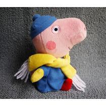 Boneco De Pelúcia Peppa Pig George Coleção Inverno