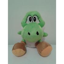 Boneco Pelúcia Yoshi Turma Do Super Mario Bros 30 Cm