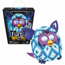 Boneco Furby Boom A6848 Português + Carregador Com 4 Pilha
