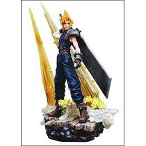 Figure Final Fantasy 7: Cloud Strife Square Enix Escala 1/8