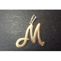 Pingente Letra M = Frisado = Folheado A Ouro 18k