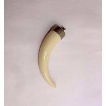 Pingente Formato Presa Dente Cor Marfim