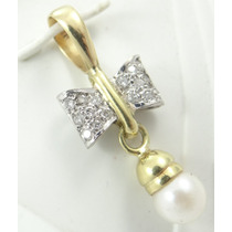Feliz Jóias- Pérolas E Diamantes Em Pingente Laço De Ouro