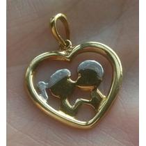 Pingente 18k 750 - Coração: Beijo Casal Apaixonado