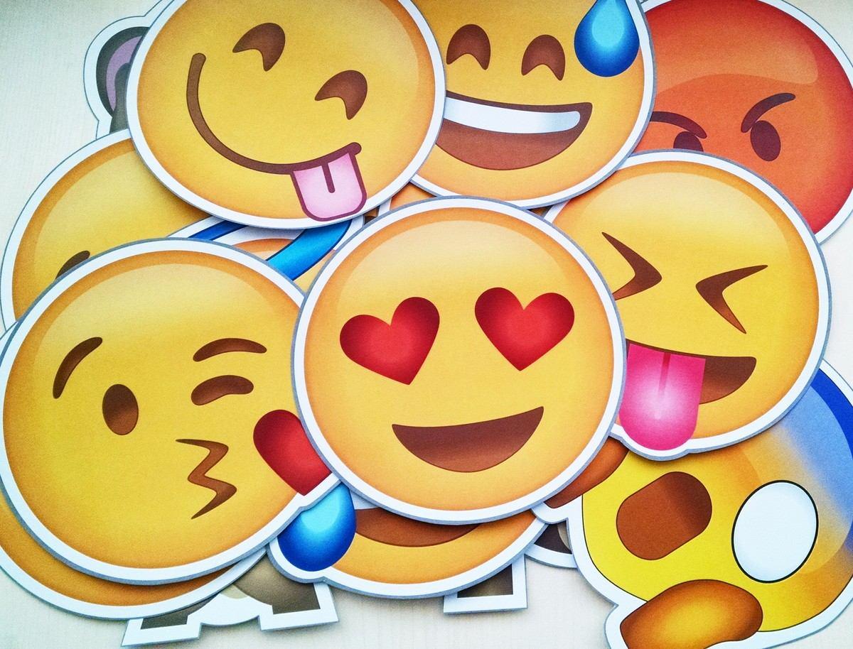 plaquinhas emoji whatsapp casamentos e festas kit c/30 itens