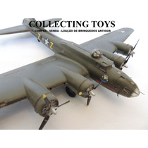 Avião Boeing B - 17 F Flying Fortress - 1/72 - Kit Montado