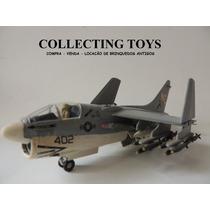 Avião Caça Corsair A-7d - Revell - 1:72 - Kit Montado (m 61)