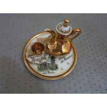 Xícara E Bule Com Bandeja Em Porcelana - Miniatura - Antigo