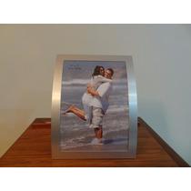 Porta Retrato Em Alumínio Curvo 13 Cm X 18 Cm