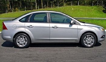 Promoção Jgo Friso Lateral Com Logo Ford Focus 09/