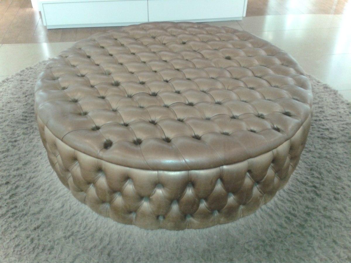 Sala com puff 1 car interior design - Como tapizar sofa ...
