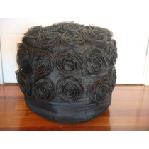Puff Redondo Indiano Em Tecido Preto, Flores Em Organza Sala