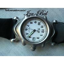 Lindo Relógio Analógico Oakley Sanddleback (fundo Branco)