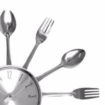 Relógio De Parede Talheres De Cozinha Decorativo Em Alumínio
