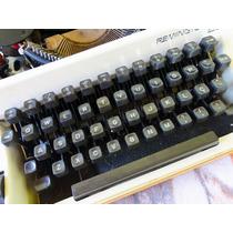 Máquina De Escrever Portátil Com Estojo - Remington 22