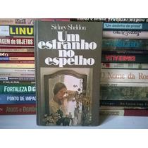Livro - Um Estranho No Espelho Sidney Sheldon
