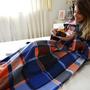 Cobertor Com Mangas Em Soft Adulto Xadrez Azul - Lux Confort