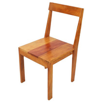 Cadeira Maciça Em Madeira De Demolição Acabamento Encerado
