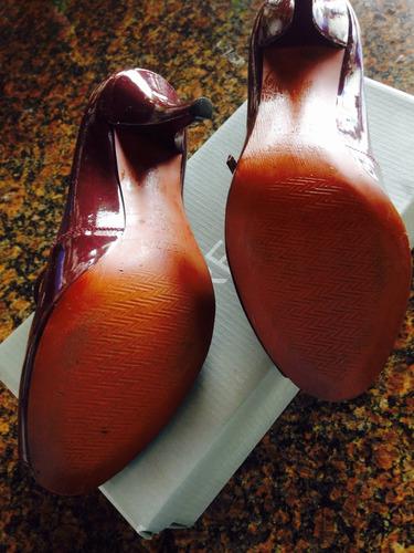 Sapato Arezzo.