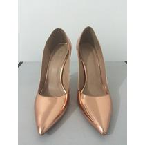 Sapato Dourado Número 36