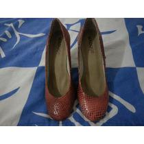 Sapato Scarpin Bico Redondo Salto Grosso.