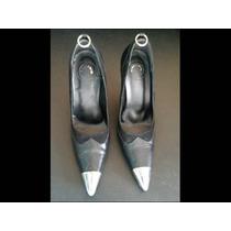 Sapato Scarpin Disritmia Com Ponteira Em Metal E De Couro