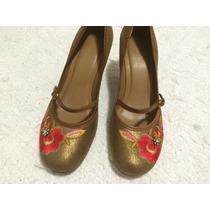 Sapato Arezzo Bordado
