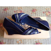 Arezzo Scarpin Peep Toe Com Salto Anabela Azul Marinho Couro