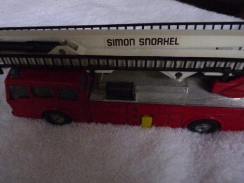 Simon Snorkel Corgi