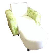 Poltrona Tecido Branca Detalhe Verde + Puff Branco Usada