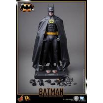 Hot Toys - 1/6 Batman 89 - Michael Keaton