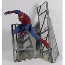 Estátua The Amazing Spider-man Marvel Diamond Select