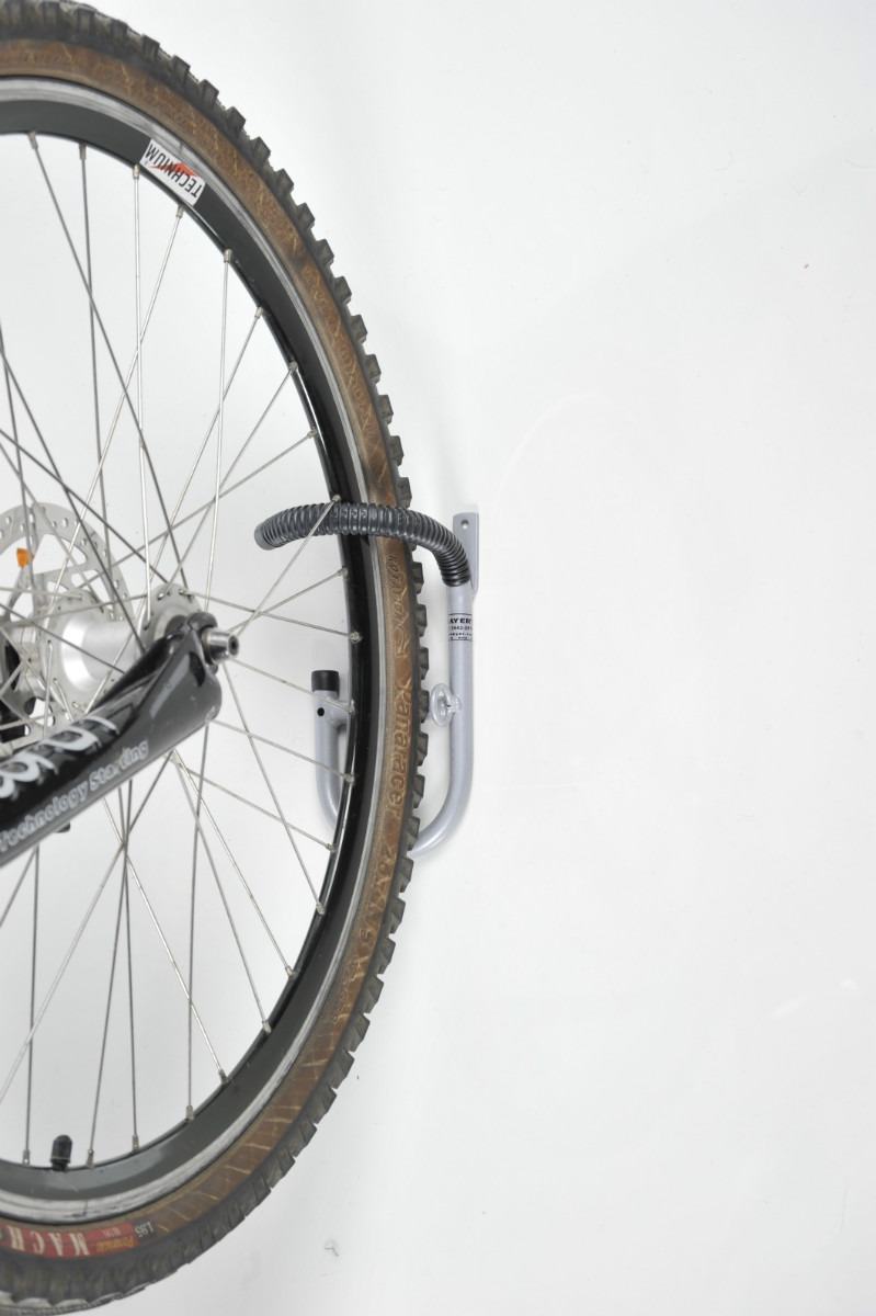 Suporte gancho de parede p pendurar a bicicleta pelo pneu - Gancho bicicleta pared ...